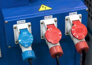 Freien Stromkreis finden: CEE Stromanschlüsse Starkstrom